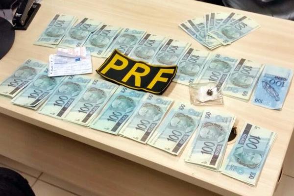 Suspeito detido pela PRF estava com R$ 19.900 em notas falsas