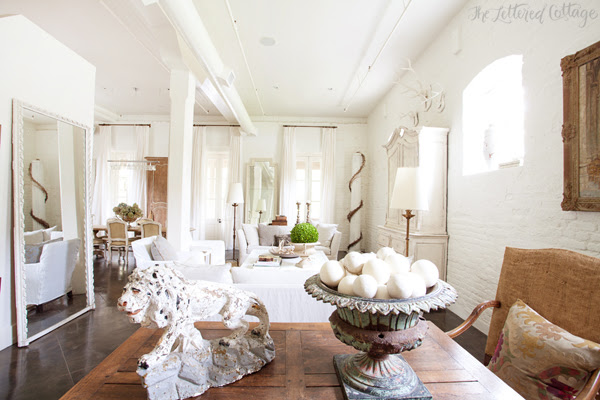 Atchison Αρχική | Mobile Alabama | Loft Living Room | Λευκό Τείχη