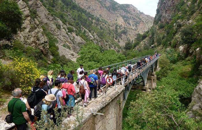 Άρτα: Ορειβατικός Άρτας - Πεζοπορία στον Βουραϊκό την Κυριακή 12 Μαΐου