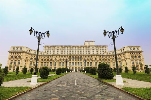 Top-10 Places To See and Best Things To Do in Bucharest