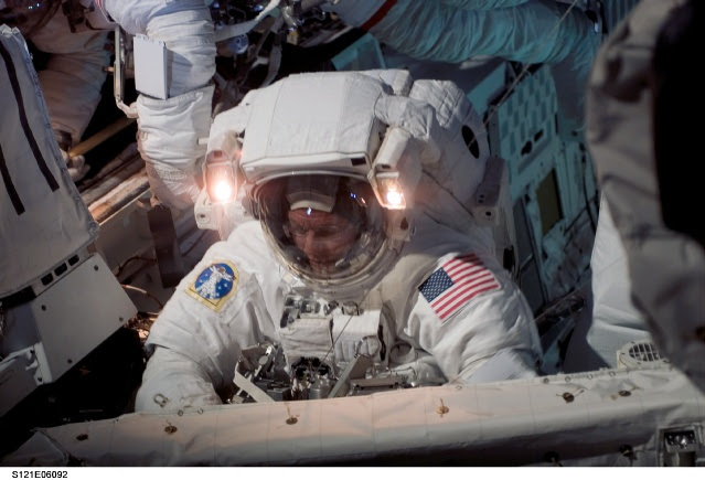 Astronauta Michael E. Fossum - Imagen: NASA TV