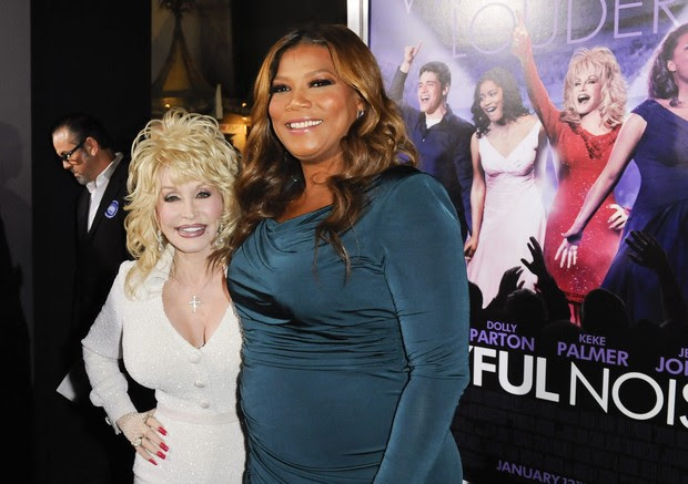 Dolly Parton e Queen Latifah na première do filme 'Joyful Noise' em Los Angeles, nos Estados Unidos (Foto: Reuters/ Agência)
