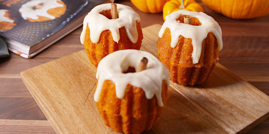 These Nutella-Stuffed Pumpkin Cakes Will Outshine Your Turkey