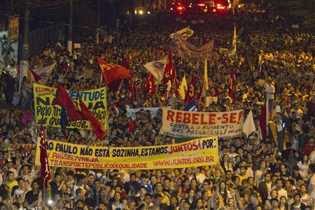 Demonstrators march during one of the many protests around Brazil's major cities in Belem, Para State, June 17, 2013. REUTERS-Paulo Santos