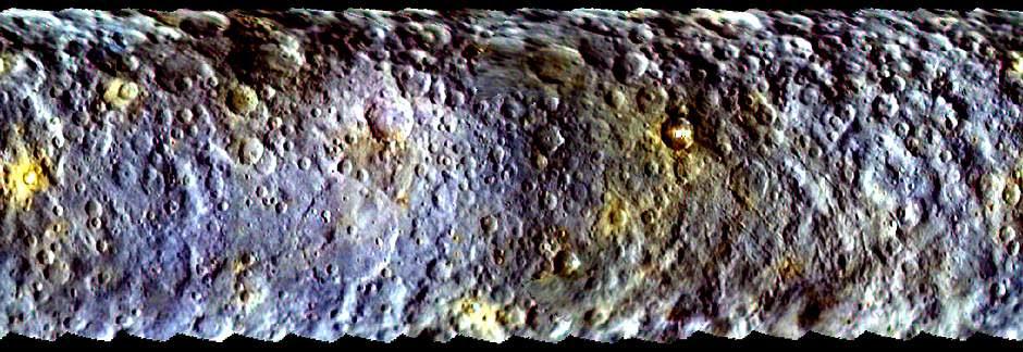 Mapa panorámico creado a partir de imágenes tomadas por la sonda Dawn antes de ser capturada por la órbita de Ceres. Marzo, 2015.