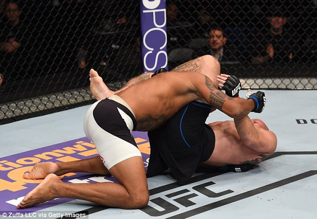 Cerrone moved to full mount before locking up a traingle choke and rolling to his back to force the tap