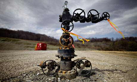 Shale gas won't stop peak oil, but could create an economic crisis