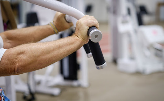 Study Finds Strength Training Beats Aerobic Exercise For Older Adults Trying To Lose Weight