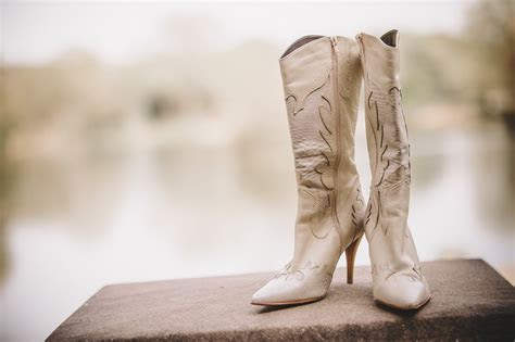 45 of The Best Country Wedding Songs For Your First Dance