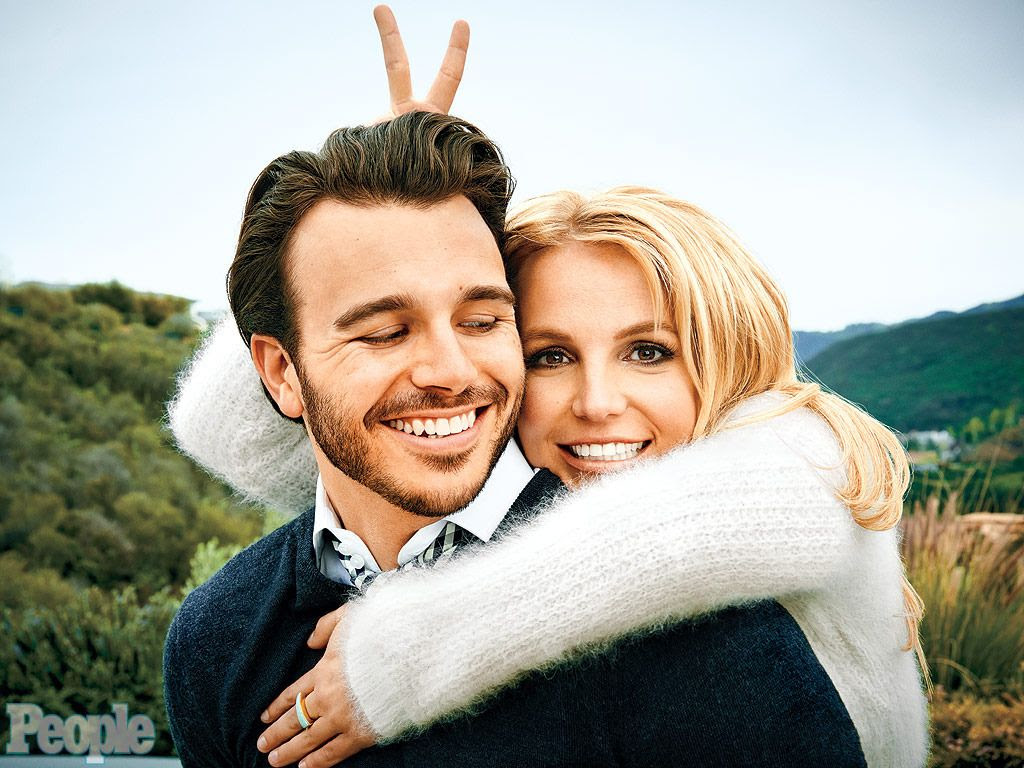 Britney Spears : People (April 2015) photo britney-spears-0-1024.jpg