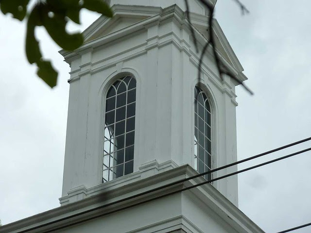 P1090871-2011-04-15-Hapeville-1st-Baptist-Church-Sanctuary-Steeple-Windows