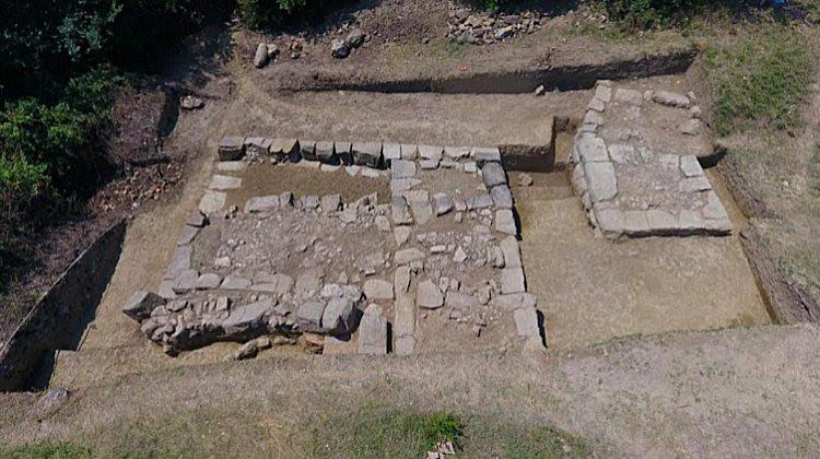Το φρούριο πιθανότατα καταστράφηκε από τους Ρωμαίους στην αρχή της εποχής μας.  Μέχρι τώρα, τα ερείπια της θεωρούνται φυσικά βράχια.