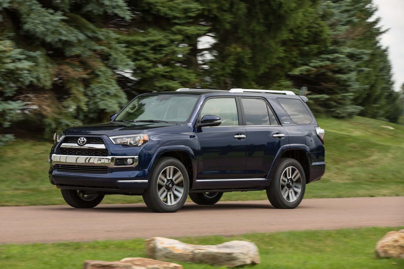 2017 Toyota 4Runner Reviews and Rating | Motor Trend