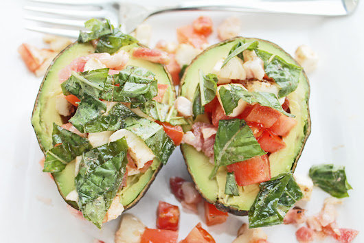 Clean Eating Recipe: Avocado Caprese Boat