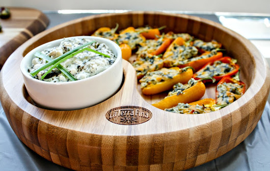 Easy Fall Entertaining: La Terra Fina Spinach And Kale Dip Stuffed Sweet Peppers Recipe + Giveaway