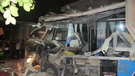 Hình ảnh Những vụ tai nạn giao thông thảm khốc năm 2015 số 2