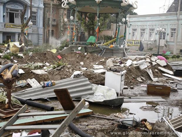 Veja como Saramandaia ficou depois da tragédia  (Foto: TV Globo/ Saramandaia)