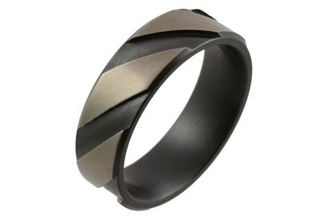 The Benefits of Choosing Titanium Mens Wedding Bands