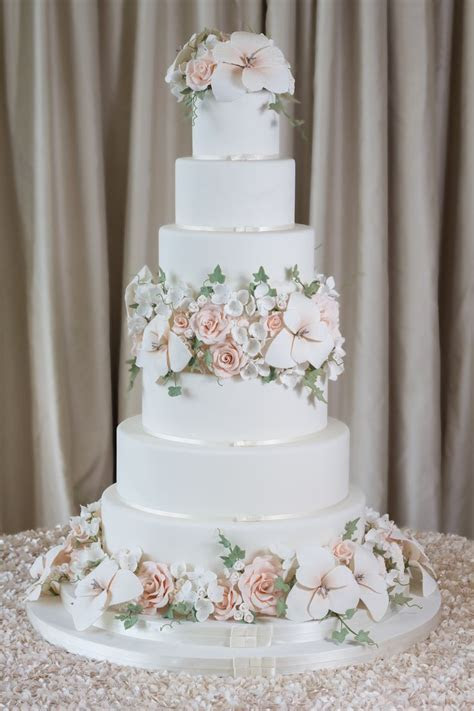 Best 25  6 tier wedding cakes ideas on Pinterest   Wedding
