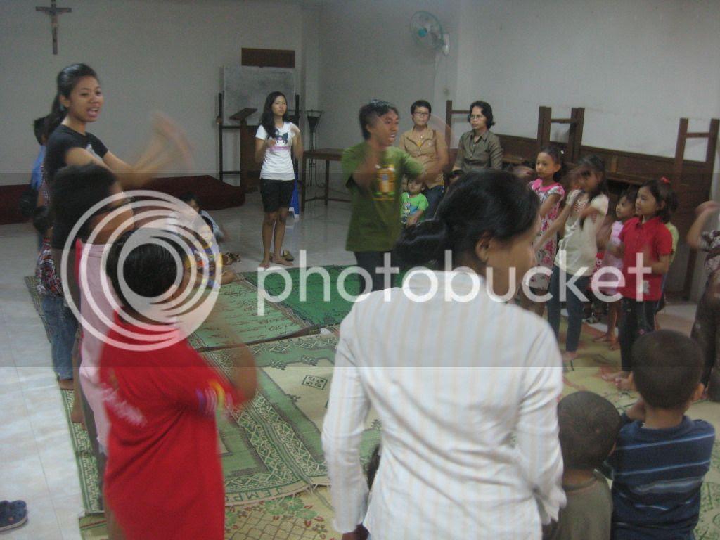 Sekolah Minggu 15 April 2012