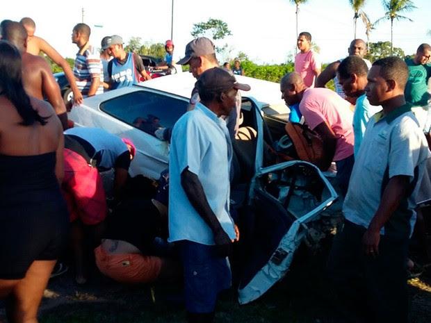 Acidente deixou um morto e três feridos em Cruz das Almas (Foto: Divulgação / Corpo de Bombeiros)