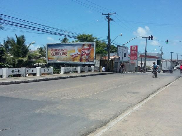 Ponte Anita, que liga as avenidas Antônio Costa Azevedo e Corrêa de Brito (Foto: Artur Ferraz/G1)