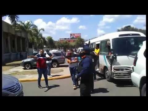 Vídeos:  Son llevados al Palacio de justicia Dianabel Gómez y otros implicados Operación  Falcón