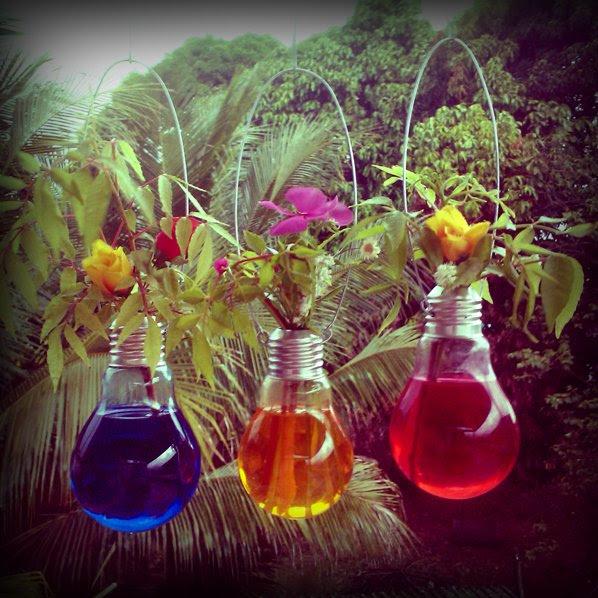 Arranjos de Flores para Mesa em lâmpadas
