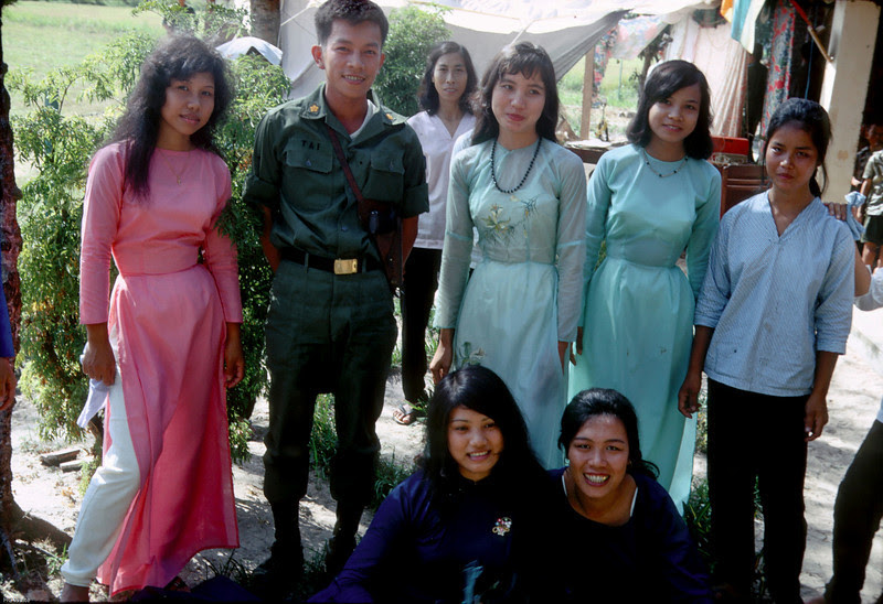http://misssnep.smugmug.com/Military/Vietnam/Vietnam-Dec-1967/i-PWjnXcm/0/L/Image_C6_15-L.jpg