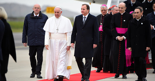 Pope arrives in Sweden to mark 500 years since Protestant Reformation