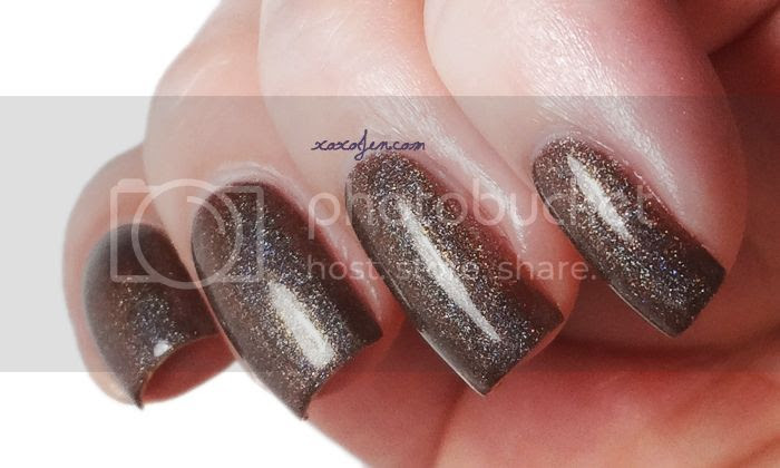 xoxo, Jen's swatch of Glitterdaze Cuddling By The Fireplace nail polish