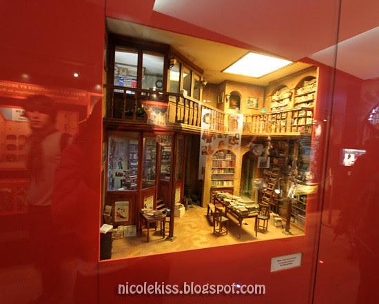 mini library two storeys