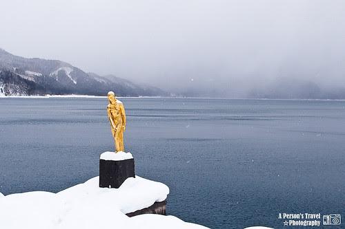 田澤湖 辰子像