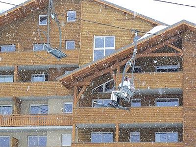 neige et télésiège.jpg