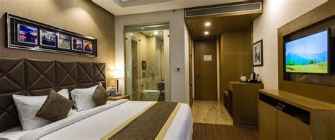 The Grand JBR  Best 4 star Hotel With Night Club and