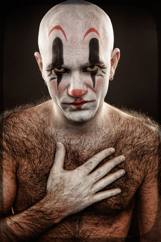 Spine-Chilling Photos of Grotesque Clowns (NSFW)