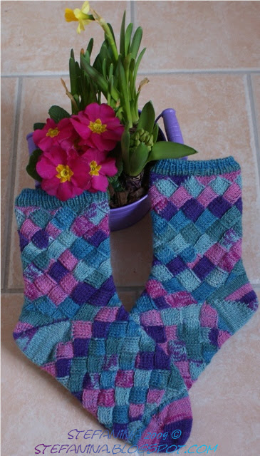 Entrelac socks - finished