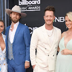 Florida Georgia Line Hit 2019 Billboard Music Awards Red Carpet - Taste Of Country