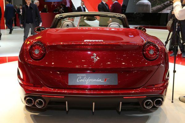2015 Ferrari California Review, Specs, Price