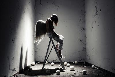 http://m2.paperblog.com/i/130/1309535/angeli-caduti-L-dCHJPd.jpeg