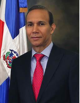 Dr. Winston Santos