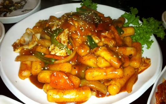 Korean Tteokbokki (Spicy Stir-fried Rice Cakes)