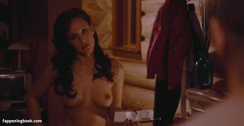 Crystal Lowe Nude Pictures Exposed (#1 Uncensored)