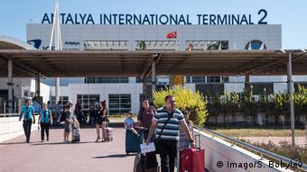 Çoğunlukla Rus turistlerin tercih ettiği Antalya Havalimanı'nın 2018'de yoğun olacağı tahmin ediliyor.