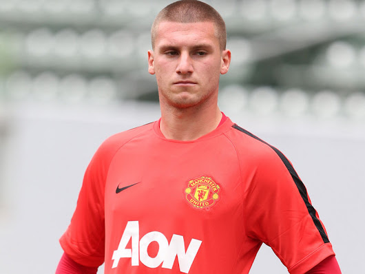 Manchester United Goalkeeper Sam Johnstone signs a new contract - Diski 365