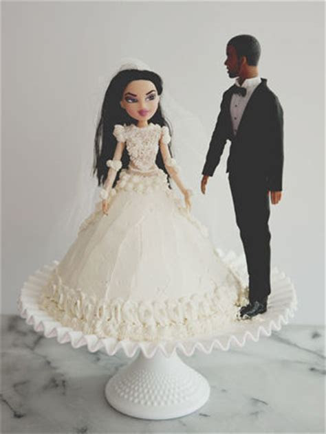 Celebrity Worshipping Cakes : kimye wedding cake