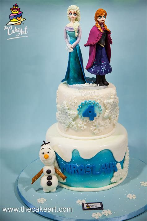 Pastel de Frozen con toppers 3D (Elsa, Anna y Olaf