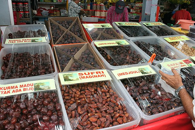 Middle Estern dates - nutritious candy!