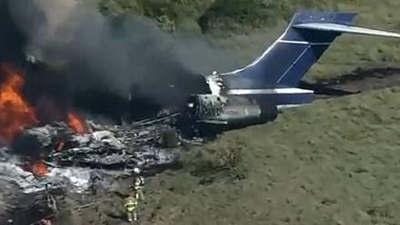 Cae avión en Houston, Texas; viajaban más de 20 pasajeros.