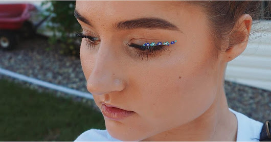 Floral Eyeliner Spring 2017 | POPSUGAR Beauty UK